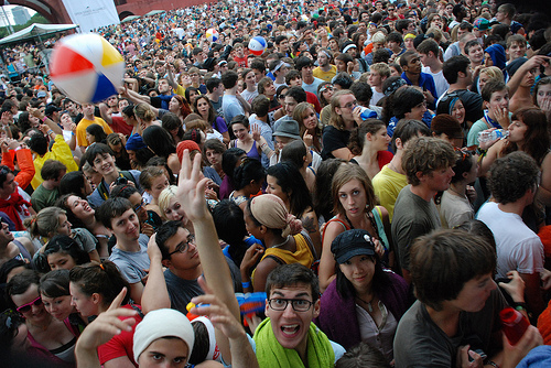 MGMT Crowd at McCarren Park Pool